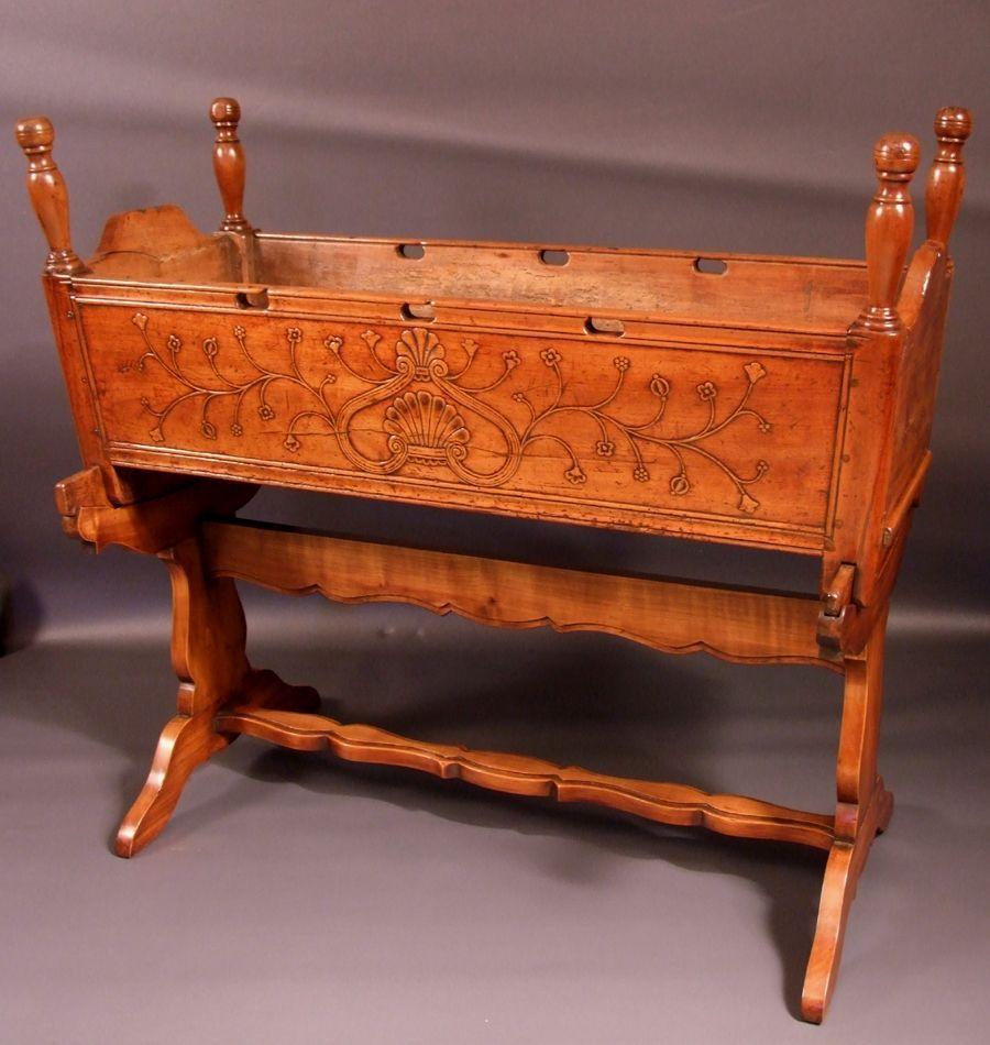 berceau breton r gion rennes vers 1815. Black Bedroom Furniture Sets. Home Design Ideas