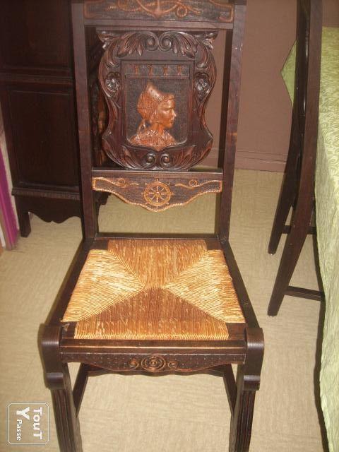 chaise a motif coiffe bretonne. Black Bedroom Furniture Sets. Home Design Ideas